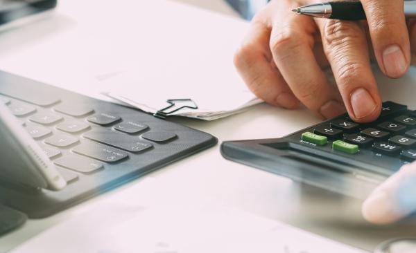 自治会費や協賛金の勘定科目はどう選ぶ? 税務処理上の注意点も解説