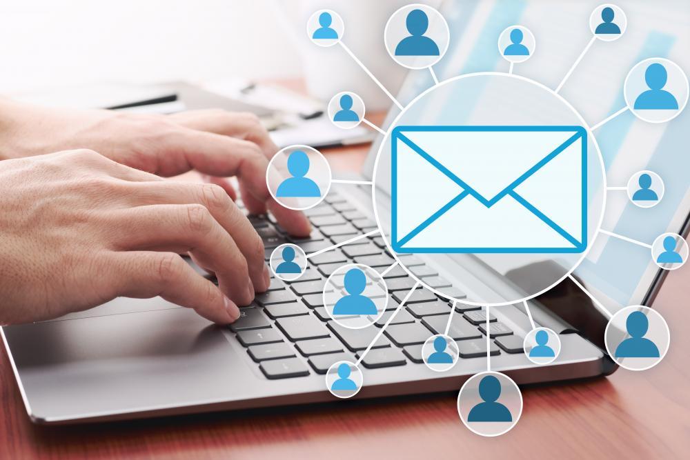 メール配信の場合は個人情報の管理に注意