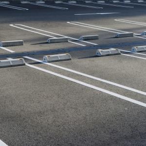 ゆとりのある駐車場に必要な寸法ってどのぐらい?